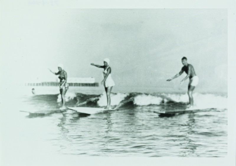 ccsurfers-shirley-templeman-left-pat-collings-center-and-fred-hunt-at-cowells-beach