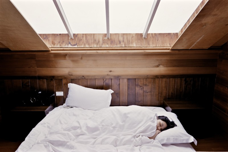 bed_sleep_rest_window_light_wood_relax