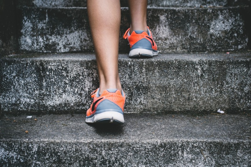 feet_walk_fitness_stairs_exercise