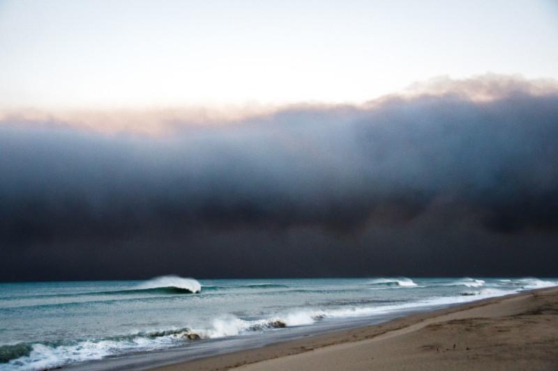 The pros and cons of Santa Ana winds. image: Braden Zischke