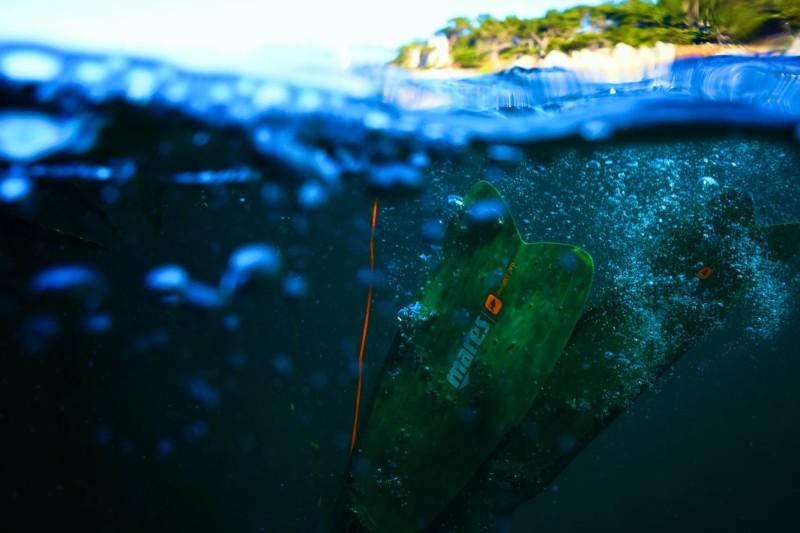 fins down